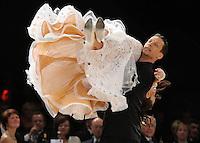 Tanz-WM 2010 - Profi Standard Kür - WDC World Championships Dance Show Standard - (18.12.2010 in Leipzig / Neue Messe) - im Bild: das Deutsche Paar aus Leipzig - Oliver Thalheim und Tina Spiesbach bei ihrer Kür. Foto: Norman Rembarz ..Credits:.Norman Rembarz , Autorennummer 41043728 , Augustenstr. 2, 04317 Leipzig, Tel.: 01794887569, Hypovereinsbank: BLZ: 86020086, KN: 357889472, St.Nr.: 231/261/06432 - Jegliche kommerzielle Nutzung ist honorar- und mehrwertsteuerpflichtig! Persönlichkeitsrechte sind zu wahren. Es wird keine Haftung übernommen bei Verletzung von Rechten Dritter. Autoren-Nennung gem. §13 UrhGes. wird verlangt. Weitergabe an Dritte nur nach  vorheriger Absprache..Online Nutzung ist seperat kostenpflichtig !!!!