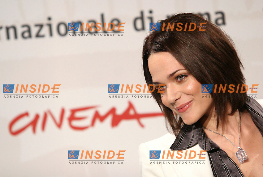 "Actress Laura Chiatti poses for photographers during the photocall of the film ""A casa nostra"" at the International Film Festival in Rome. October, 20, 2006.<br /> Roma, 20/10/2006 L'attrice Laura Chiatti posa per i fotografi durante il photocall del film ""A casa nostra"".<br /> Foto Samantha Zucchi INSIDE (www.insidefoto.com)"
