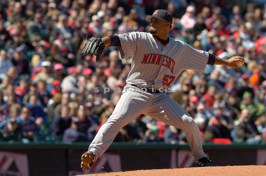 Johan Santana of the Minnesota Twins, in action against the Indians on April 9, 2006...Indians win 3-2..David Durochik / SportPics
