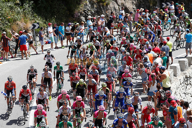 The peloton in action during Stage 9 of the La Vuelta 2018, running 200.8km from Talavera de la Reina to La Covatilla, Spain. 2nd September 2018.<br /> Picture: Unipublic/Photogomezsport | Cyclefile<br /> <br /> <br /> All photos usage must carry mandatory copyright credit (© Cyclefile | Unipublic/Photogomezsport)