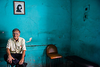 Luego de 62 años de tradición Fotográfica Ernesto Padilla Ramírez decide cerrar su local Foto Robert  en calle Elias calles no. 69 col. Centro debido a la cris económica que se reciente.