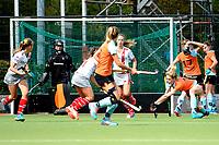 HAREN - Hockey, Toernooi GHHC Harener Holt, GHHC - Club an der Alster, voorbereiding seizoen 2017-2018, 03-09-2017,  GHHC speelster Willemijn Bos werkt de bal weg na strafcorner
