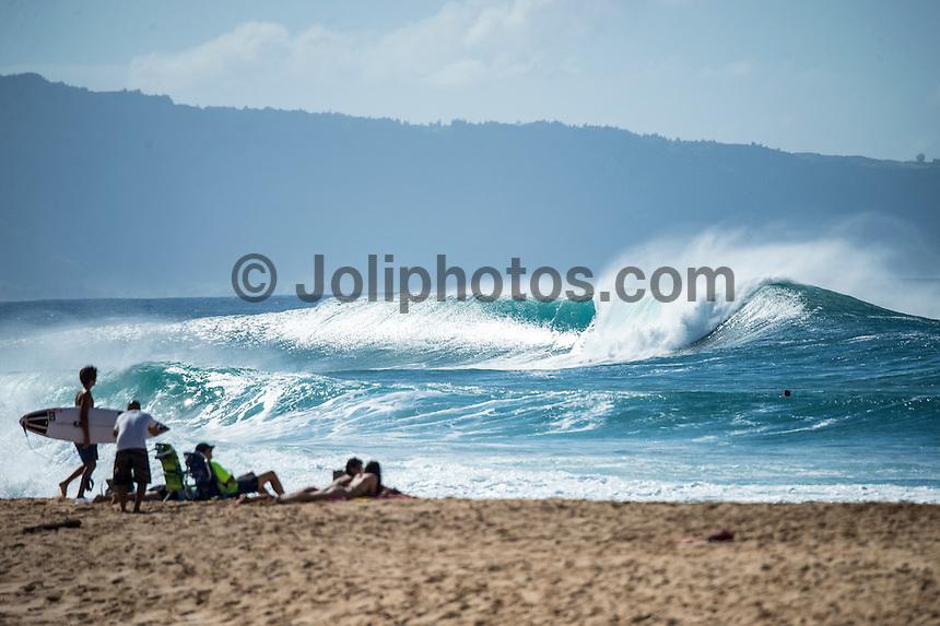 Elegant Backdoor, North Shore, Oahu, HAWAII: (Friday, December 4, 2015