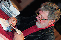 SKUTSJESILEN: LEEUWARDEN: Zalencentrum Tivoli, Boekpresentatie '50 jaar met de kop ervoor', 70e verjaardag, Eildert Meeter, ©foto Martin de Jong