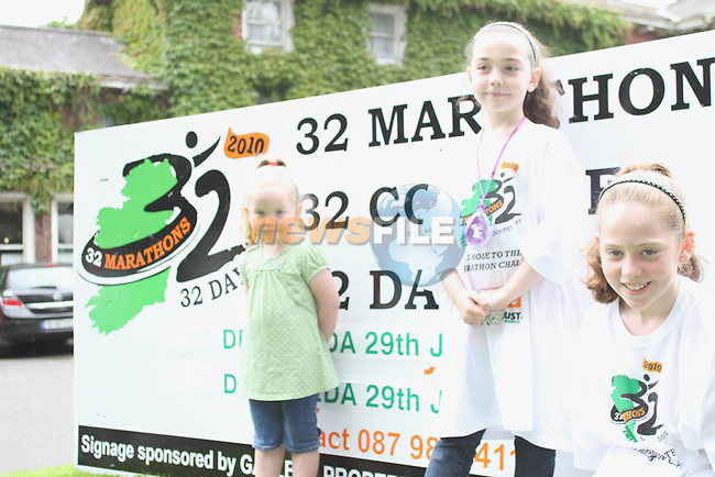 Kaleigh, Emma and Sarah McHugh supporting their dad who took part in the Drogheda stage of the 32 County Marathon...Photo NEWSFILE/Jenny Matthews.(Photo credit should read Jenny Matthews/NEWSFILE)....This Picture has been sent you under the condtions enclosed by:.Newsfile Ltd..The Studio,.Millmount Abbey,.Drogheda,.Co Meath..Ireland..Tel: +353(0)41-9871240.Fax: +353(0)41-9871260.GSM: +353(0)86-2500958.email: pictures@newsfile.ie.www.newsfile.ie.FTP: 193.120.102.198.