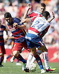 Granada's Ricardo Costa (r) and Ruben Perez (b) and FC Barcelona's  Luis Suarez during La Liga match. May 14,2016. (ALTERPHOTOS/Acero)