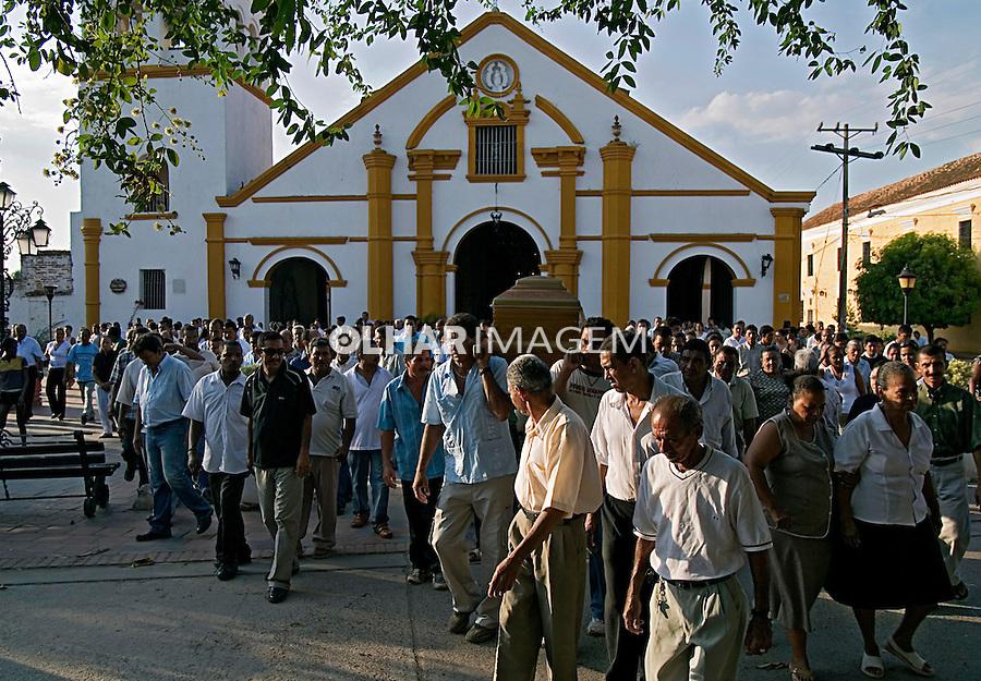 Cortejo fúnebre em Santa Cruz de Mompox. Colombia. 2007. Foto de Rogério Reis.