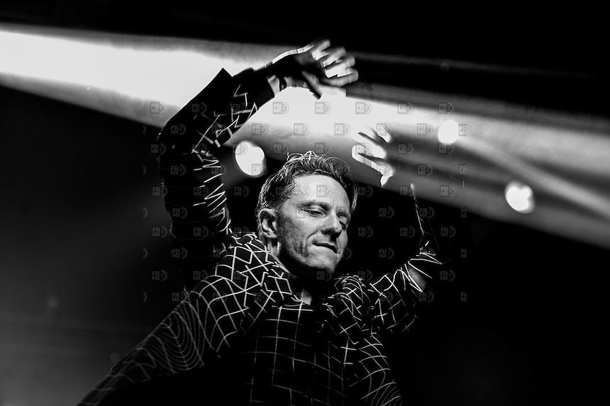 CIUDAD DE MEXICO, D.F. 11 de octubre.- Gus Gus durante el primer día del Corona Capital en el Autódromo Hermanos Rodríguez de la Ciudad de México, el el 11 de octubre de 2014.  FOTO: ALEJANDRO MELENDEZ