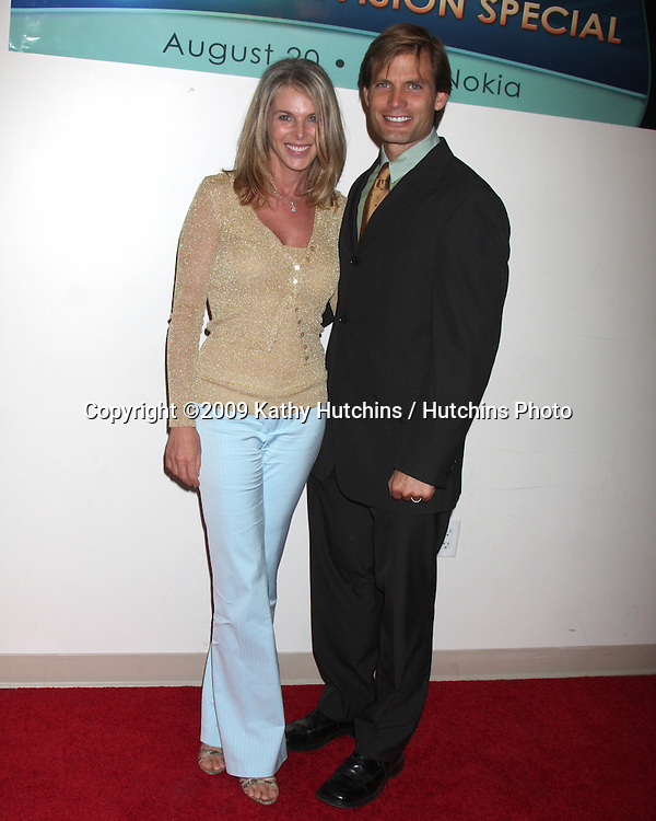 """Catherine Oxenberg & Casper Van Dien  arriving at """"The Answer is You"""" PBS Television Special Taping at Club Nokia in LA Live, Los Angeles, CA on August 20, 2009.©2009 Kathy Hutchins / Hutchins Photo."""