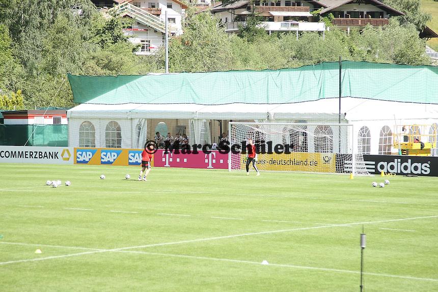 - Abschlusstraining der Deutschen Nationalmannschaft gegen die U20 im Rahmen der WM-Vorbereitung in St. Martin