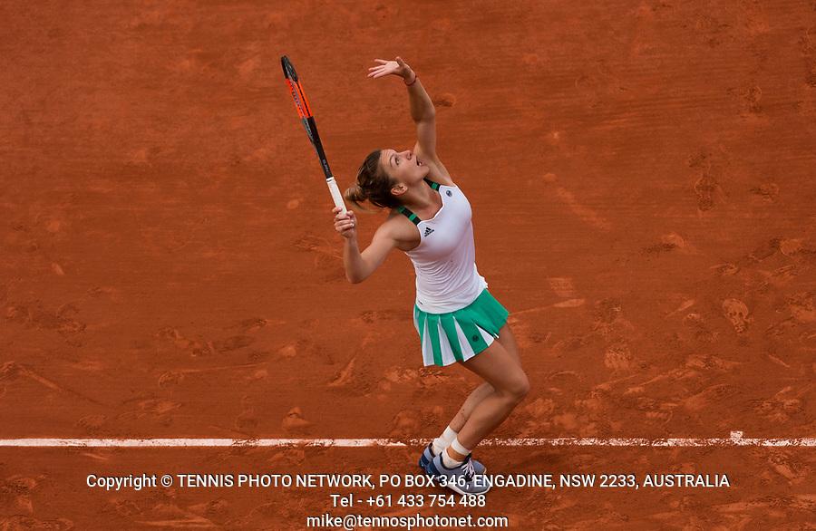 SIMONA HALEP (ROU)<br /> <br /> TENNIS - FRENCH OPEN - ROLAND GARROS - ATP - WTA - ITF - GRAND SLAM - CHAMPIONSHIPS - PARIS - FRANCE - 2017  <br /> <br /> <br /> <br /> &copy; TENNIS PHOTO NETWORK
