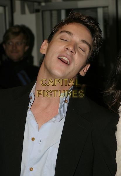 "JONATHAN RHYS MYERS .The London Film Festival screening and UK Premiere of ""Vanity Fair"", London, November 1st 2004..portrait headshot funny.Ref: AH.www.capitalpictures.com.sales@capitalpictures.com.©Capital Pictures."