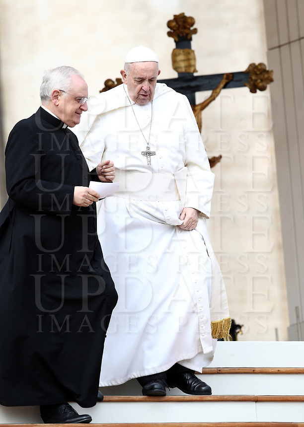 Papa Francesco e Moonsignor Leonardo Sapienza al terminedell'udienza generale del mercoledi' in Piazza San Pietro, Citta' del Vaticano, 20 marzo 2019.<br /> Pope Francis and Monsignor Leonardo Sapienza leaves  at the end of the weekly general audience in St. Peter's Square at the Vatican, on March 20, 2019.<br /> UPDATE IMAGES PRESS/Isabella Bonotto<br /> <br /> STRICTLY ONLY FOR EDITORIAL USE