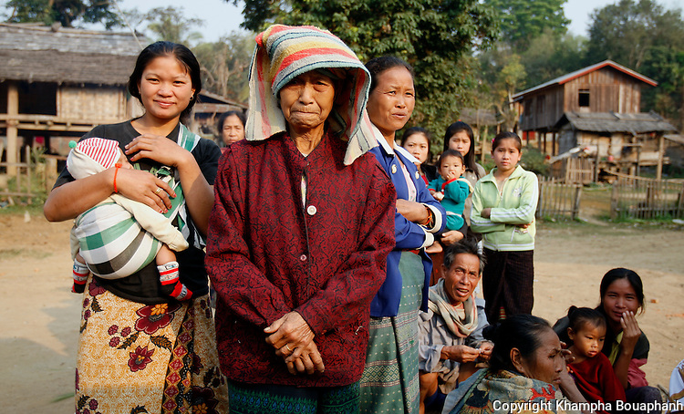 Villagers at Ban Khe wait to send off visitors on Saturday, March 8, 2008.  (Star-Telegram/Khampha Bouaphanh).**NO SALES, NO MAGS**