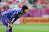 FUSSBALL  EUROPAMEISTERSCHAFT 2012   VORRUNDE Griechenland - Tschechien         12.06.2012 Torwart Petr Cech (Tschechische Republik)