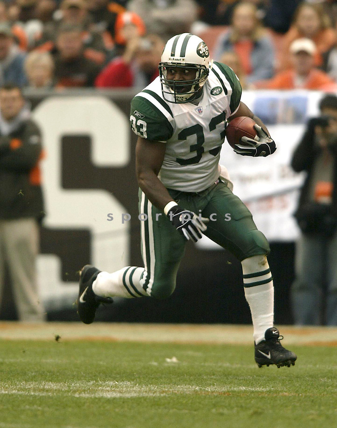 Jerald Sowell during the New York Jets v. Cleveland Browns game on November 21, 2004...Jets win 10-7..Kevin Tanaka / SportPics.Lamont Jordan during the New York Jets v. Cleveland Browns game on November 21, 2004...Jets win 10-7..Kevin Tanaka / SportPics