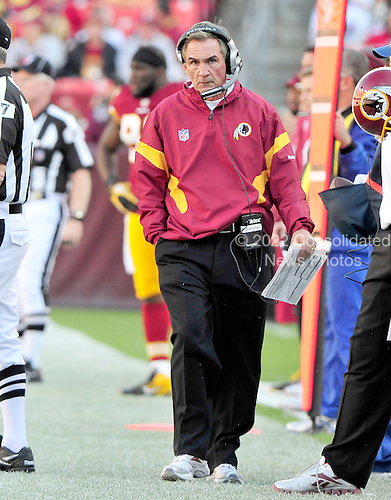 Washington Redskins head coach Mike Shanahan on the sidelines late in the second quarter against the San Francisco 49ers at FedEx Field in Landover, Maryland on Sunday, November 6, 2011.  The 49ers won the game 19 - 11..Credit: Ron Sachs / CNP