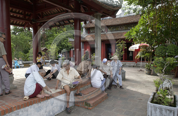 Hanoi-Vietnam, Ha Noi - Viet Nam - 21 July 2005---Men playing a board game at Ngoc Son (Jade Mountain) Temple on Hoan Kiem Lake---religion, culture, tourism, people---Photo: Horst Wagner/eup-images