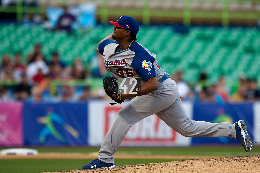 8 March 2009: #36 Manuel Corpas of Panama pitches against Dominican Republic during the 2009 World Baseball Classic Pool D match at Hiram Bithorn Stadium in San Juan, Puerto Rico. Dominican Republic wins 9-0 over Panama.