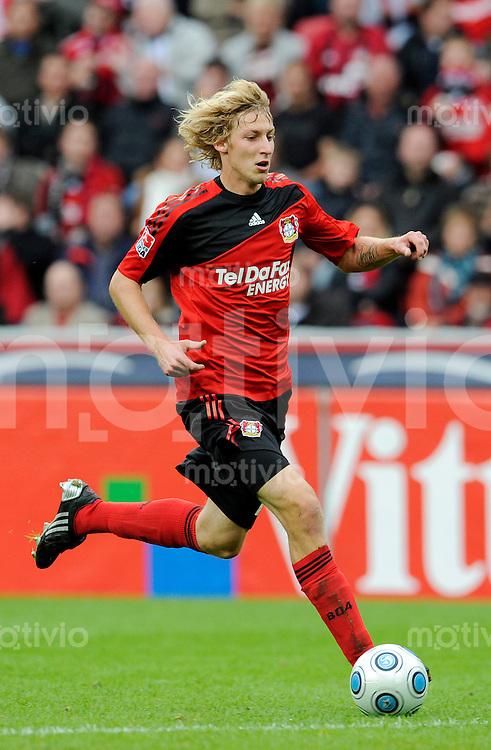 Fussball   1. Bundesliga   8. Spieltag    Saison 2009/2010 Bayer Leverkusen - 1. FC Nuernberg  03.10.09 Stefan KIESSLING (Leverkusen), Einzelaktion am Ball.