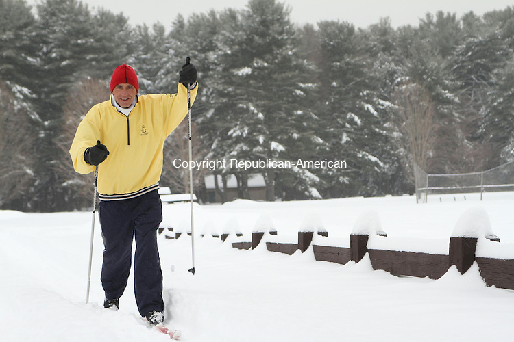 WATERTOWN, CT 05 February 2014-020514LW05 - Stash Kalinka of Thomaston cross country skis at Black Rock State Park in Watertown Wednesay afternoon. It was the 34th day in a row he had skied this season and he said he recommends the outdoor exercise to everyone. He said it was more difficult to ski Wednesday in deep snow topped with ice.<br /> Laraine Weschler Republican-American