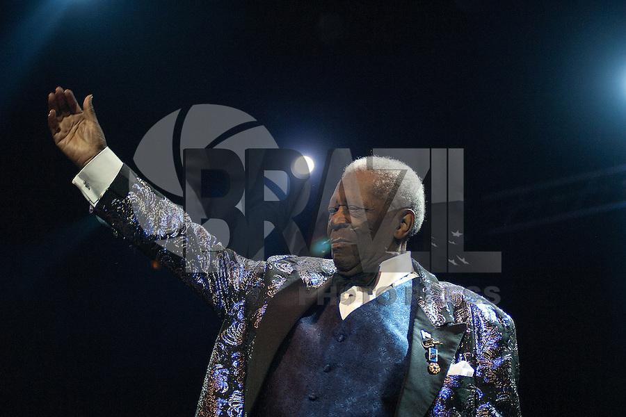 ***FOTO DE ARQUIVO****SÃO PAULO, SP, 06.10.2012: MORTE/B.B. KING - Morreu nesta quinta-feira, 14 na residencia onde vivia, em Las Vegas (EUA), o 'rei do blues', B.B. King. O músico esteve internado na semana passada por uma desidratação e complicações causadas por diabetes tipo dois. Na foto, B.B. King se apresenta no Via Funchal, em São Paulo, 06 de outubro 2012. (Foto: Flavio Hoop/Brazil Photo Press)