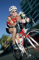 26 MAR 2006 - MOOLOOLABA, AUSTRALIA - British triathlete Liz Blatchford. (PHOTO (C) NIGEL FARROW)