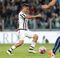 Calcio, Serie A: Juventus vs Lazio. Torino, Juventus Stadium, 20 aprile 2016.<br /> Juventus&rsquo; Paulo Dybala prepares to score his second goal during the Italian Serie A football match between Juventus and Lazio at Turin's Juventus Stadium, 20 April 2016.<br /> UPDATE IMAGES PRESS/Isabella Bonotto