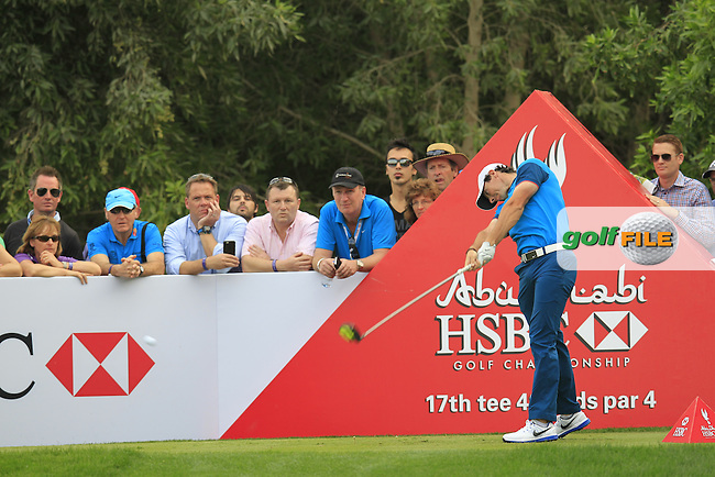 Rory McIlroy (NIR) tees off the 17th tee during Sunday's Final Round of the Abu Dhabi HSBC Golf Championship 2015 held at the Abu Dhabi Golf Course, United Arab Emirates. 18th January 2015.<br /> Picture: Eoin Clarke www.golffile.ie