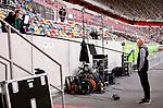 nph00351: Fussball, 1. Bundesliga, Saison 19/20, 26. Spieltag, Fortuna Düsseldorf - FC Paderborn 07, 16.05.2020:<br /> Trainer Uwe Rösler (Fortuna Düsseldorf, r.) im Interview vor dem Spiel.<br /> <br />  <br /> <br /> Nur für journalistische Zwecke! Only for editorial use!<br /> <br /> Gemäß den Vorgaben der DFL Deutsche Fußball Liga ist es untersagt, in dem Stadion und/oder vom Spiel angefertigte Fotoaufnahmen in Form von Sequenzbildern und/oder videoähnlichen Fotostrecken zu verwerten bzw. verwerten zu lassen. DFL regulations prohibit any use of photographs as image sequences and/or quasi-video. <br /> <br /> Foto: Moritz Müller/Pool / via Meuter/nordphoto