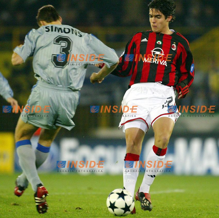 Fotball<br /> UEFA Champions League <br /> 04.11.2003<br /> Brugge v Milan<br /> Kaka (Milan) and Timmy Simons (Brugge)<br /> Photo: Anders Hoven,Insidefoto/Digitalsport