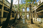 facade a l abandon de lancien hotel de la marine a  Diego Suarez ou Antsiranana