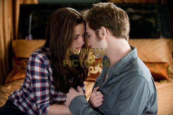 Kristen Stewart, Robert Pattinson<br /> in The Twilight Saga: Eclipse (2010) <br /> (Twilight 3)<br /> *Filmstill - Editorial Use Only*<br /> FSN-D<br /> Image supplied by FilmStills.net