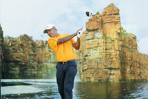 26.02.2016. Perth, Australia. ISPS HANDA Perth International Golf. Jeev Mikha Singh (IND) plays off the 18th tee during day 2.
