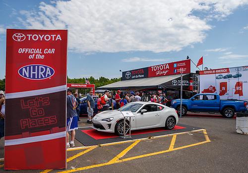 NHRA Mello Yello Drag Racing Series<br /> NHRA Summernationals<br /> Old Bridge Township Raceway Park, Englishtown, NJ USA<br /> Saturday 10 June 2017 Pitpass, signage, fans<br /> <br /> World Copyright: Mark Rebilas<br /> Rebilas Photo
