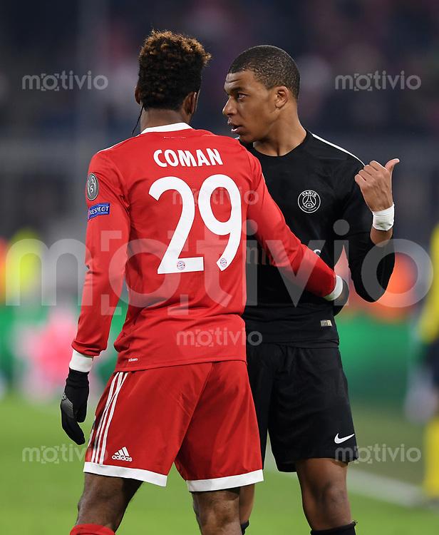 FUSSBALL CHAMPIONS LEAGUE SAISON 2017/2018 GRUPPENPHASE FC Bayern Muenchen - Paris Saint-Germain               05.12.2017 Kylian Mbappe (re, Paris Saint-Germain) und Kingsley Coman (li, FC Bayern Muenchen)