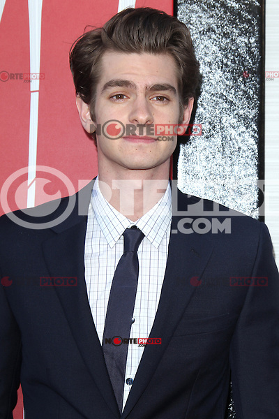 Andrew Garfield at the premiere of Columbia Pictures' 'The Amazing Spider-Man' at the Regency Village Theatre on June 28, 2012 in Westwood, California. &copy; mpi22/MediaPunch Inc. *NORTEPHOTO.COM*<br /> **CREDITO*OBLIGATORIO** *No*Venta*A*Terceros* *No*Sale*So*third* *No*Se *Permite*Hacer*Archivo**