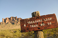 Lost Dutchman State Park, Superstition Mountains - Arizona