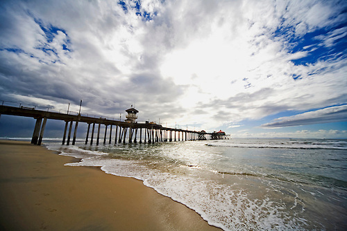 HUNTINGTON BEACH PIER JUST AFTER RAIN SHOWER AT HUNTINGTON BEACH, CALIFORNIA