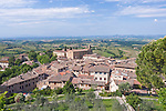 Europe, Italy, Tuscany, San Gimignano and Countryside