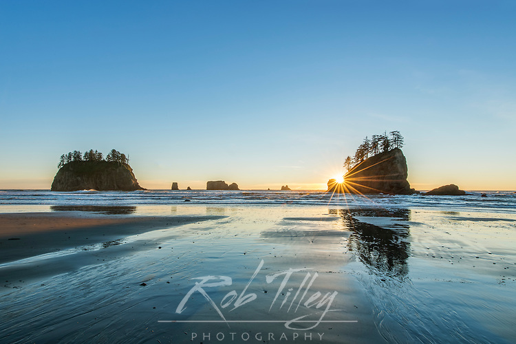 USA, WA, Olympic NP, Second Beach Sunset