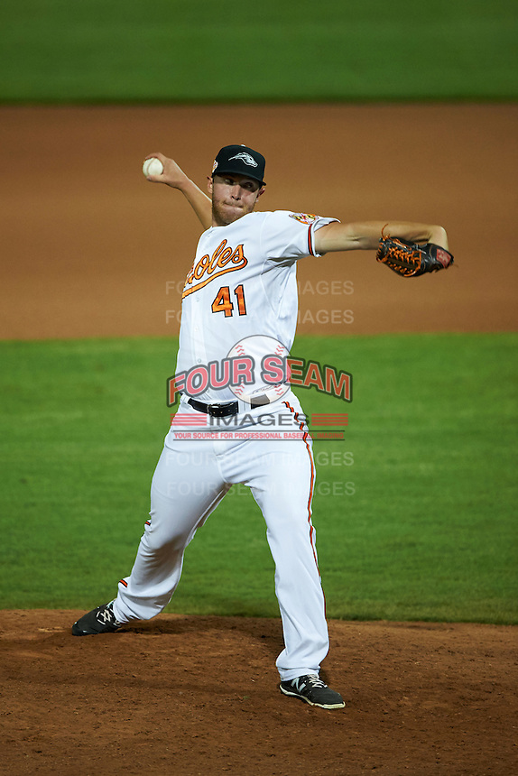 Peoria Javelinas pitcher Jon Keller (41) delivers a pitch during an Arizona Fall League game against the Glendale Desert Dogs on October 19, 2015 at Peoria Stadium in Peoria, Arizona.  Glendale defeated Peoria 4-2.  (Mike Janes/Four Seam Images)