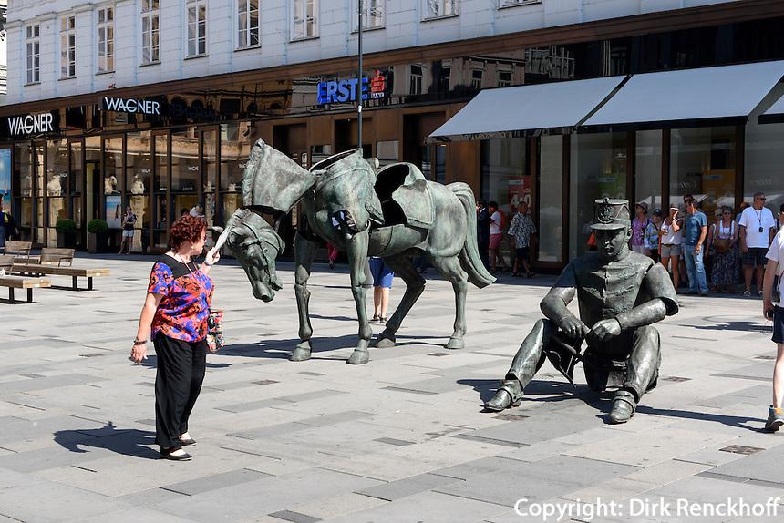Plastik in Einkaufstra&szlig;e Graben, Wien, &Ouml;sterreich<br /> Sculpture at sshoppingstreet Graben, Vienna, Austria