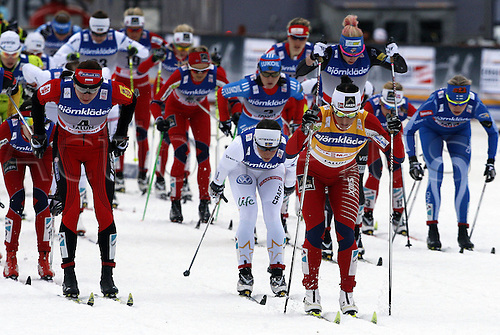 17 03 2012   Falun Sweden Ski Nordic Cross-country skiing FIS World Cup 10km Mass start for women classic Picture shows Justyna Kowalczyk POL Marit Bjoergen NOR