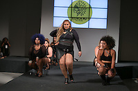 SÃO PAULO, SP, 24.07.2016 - MODA-SP - Desfile da marca Korukru by Lu Oliva durante o 14 Fashion Weekend Plus Size que acontece neste domingo, 24 no Centro de Convenções Frei Caneca. (Foto: Ciça Neder/Brazil Photo Press)