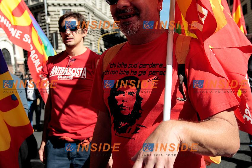 Magliette con Che Guevara<br /> Roma 18-10-2013 Manifestazione dei sindacati di base USB e COBAS in occasione dello sciopero nazionale dei lavoratori.<br /> Strike and demonstration of the Left Trade Unions<br /> Photo Samantha Zucchi Insidefoto