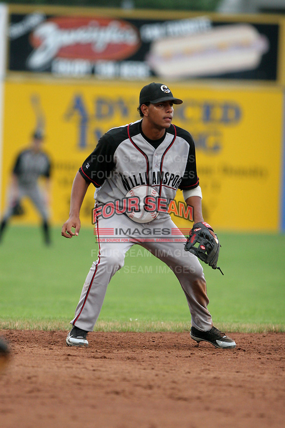 Williamsport Crosscutters Angel Gonzalez during a NY-Penn League game at Dwyer Stadium on July 3, 2006 in Batavia, New York.  (Mike Janes/Four Seam Images)