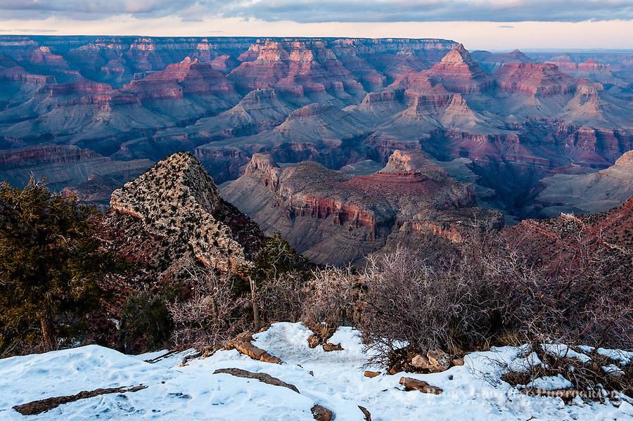 United States, Arizona, Grand Canyon. Sunset at Lipan Point, the last sunlight lits up the landscape.
