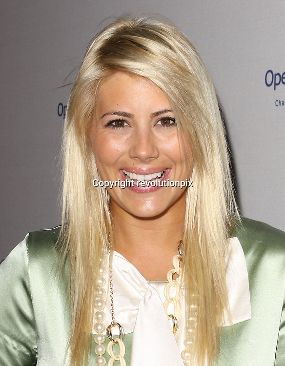 8th Annual Operation Smile Gala<br /> Los Angeles<br /> October 2 2009<br /> 8th Annual Operation Smile Gala held At The Beverly Hilton Hotel with Shayne Lamas<br /> ID revpix91002051
