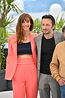 """CANNES, FRANCE. May 21, 2019: Doria Tillier & Michael Cohen at the photocall for """"La Belle Epoque"""" at the 72nd Festival de Cannes.<br /> Picture: Paul Smith / Featureflash"""